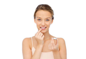 Lip Balm Wardah untuk Bibir Hitam